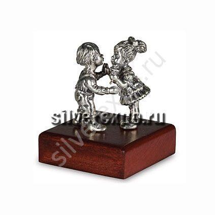 Статуэтка серебряная Влюбленные ООО «Золотой Стандарт» 991577