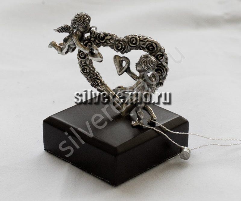 Серебряная статуэтка Сердце с ангелами ООО «Золотой Стандарт» 991581